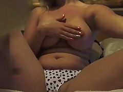 Solo Milf loves sharing her tight pussy